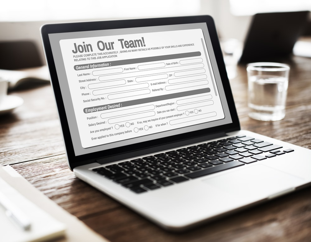 applicant tracking systems help employers by
